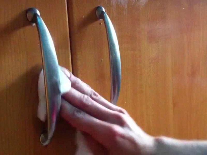 Art culo c mo limpiar los armarios de la cocina - Como limpiar azulejos cocina ...